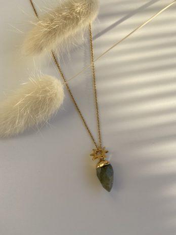 collier doré pierre naturelle grise