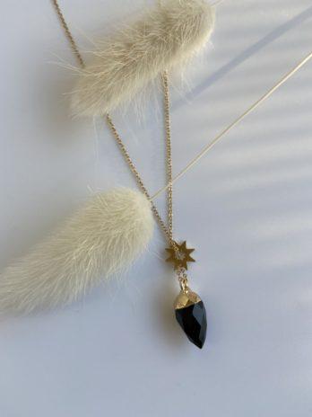 collier doré pierre naturelle noire