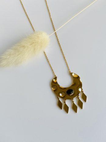 collier doré pierre noir