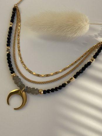 collier doré perle noir et pierre naturelle