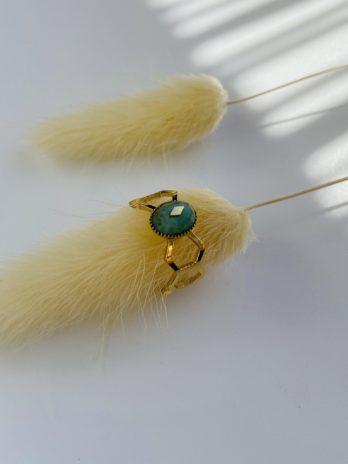 Bague dorée pierre verte