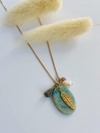 Collier doré perle et pierre naturelle