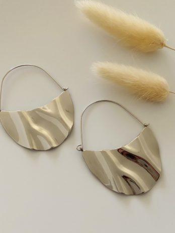 Boucle d'oreilles argentées ondulés