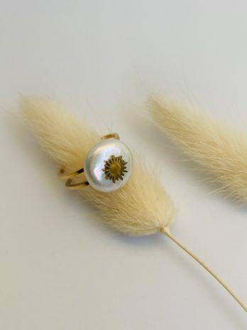 Bague doré perle naturelle