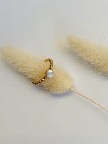 Bague dorée perle blanche