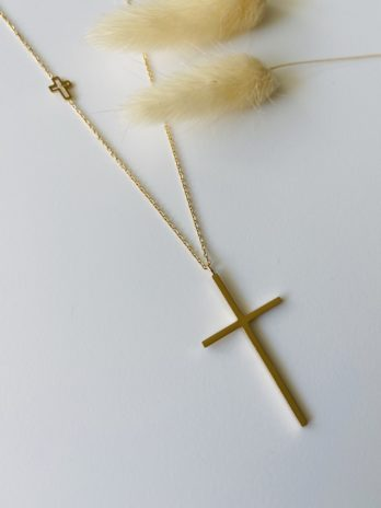 Collier doré croix