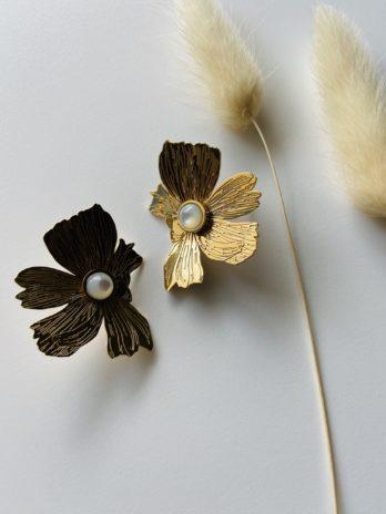 Boucle d'oreilles dorée flower