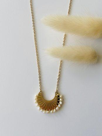 Collier doré perles naturelles