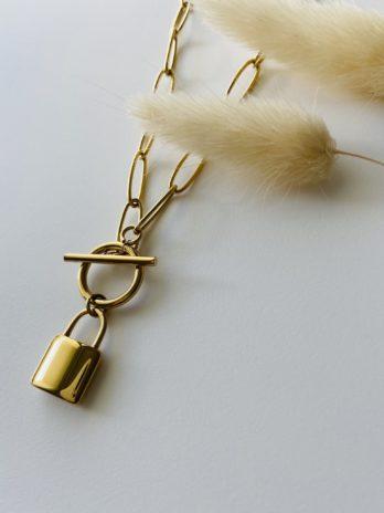 Collier doré cadenas