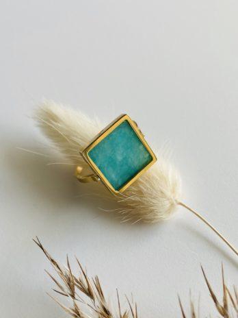 Bague dorée pampa carré pierre naturelle