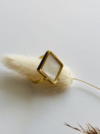 Bague dorée pampa carré avec nacre