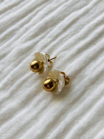 """Boucles d'oreilles """"collection coton"""" fleurs nacres"""